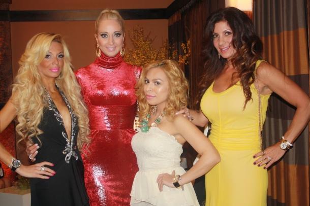 A Mommiez Fashion Diary (Yessenia Ramos) Miriam Sorkin, Admin Barbara, and Daniella Murphy