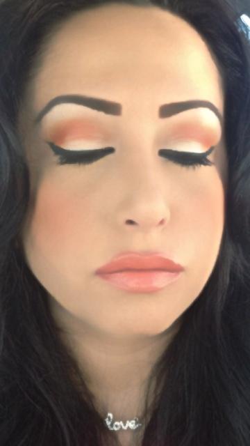 Renne Kheya ( Makeup Artist)