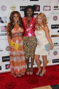 A Mommiez Fashion Diary (Yessenia Ramos) with Tracy Dimarco (JerseyLicious) Jazmine Deztani Collection