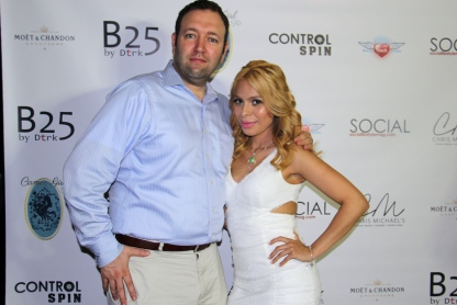 A Mommiez Fashion Diary (Yessenia Ramos) with Thomas F. La Vecchiaa, MBA (The Sales ExpertUSA.com)