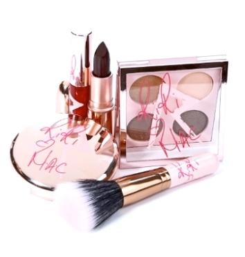 Rihanna-MAC-makeup-RiRi-Hearts-MAC